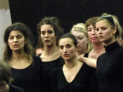Electra  6770a (Lieven SOETE) Tags: woman art greek donna mujer theater theatre femme performance young dramatic bruxelles tragedy frau 2008 brussel electra junge joven jeune molenbeek sophocles  giovane kleineacademie  lievensoete