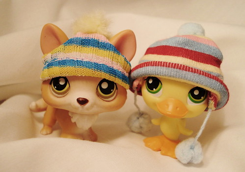 365 Toy Project - Day 80: Hats by Sakuya Masaki.