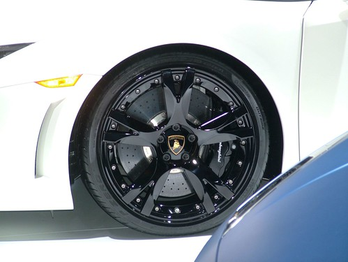 Lamborghini_wheel