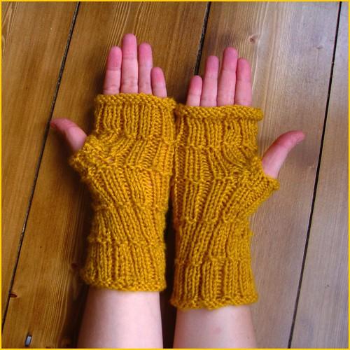rachel gloves in mustard