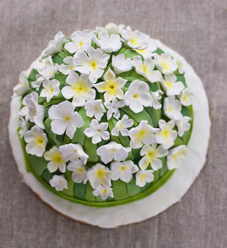 tiare/jasmine flowers cake
