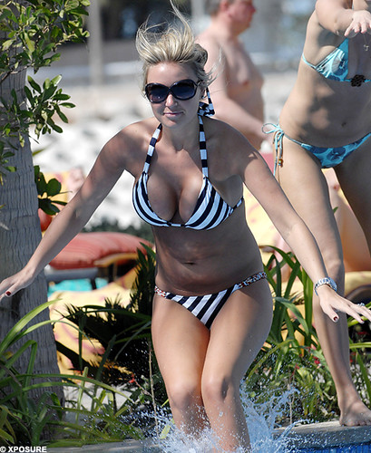 Alex Curran photo