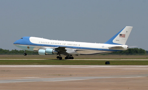Boeing VC-25A 747 - SAM 28000 Air Force One departs EFD