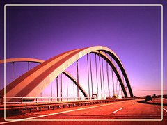 bridge (~ Pixel Passion ~) Tags: street bridge red rot cars colors germany deutschland colorful purple autobahn magdeburg freeway frame autos brcke 2008 a2 rahmen farben violett farbenfroh saxonyanhalt sachsenanhalt strase abigfave aplusphoto colourartaward ilovemypics flickrbestpics flickrlovers