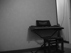 Extrao Rincn (LordGK) Tags: blackandwhite room piano