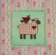 Kreuzstich - Crossstitch (Veri's kleiner Winkel) Tags: pink green bird art rose crossstitch embroidery fingers rosa yarn lamb grn vogel schaf stickerei lamm tast stitchin kreuzstich stiche stickgarn