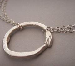 oceanus (bbel-uk) Tags: nature birds animals silver necklace surf wave ring jewellery bracelet jewelery pendant bbel