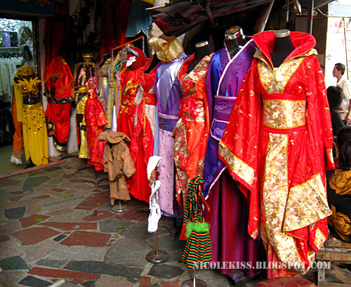 traditional wedding costume 3