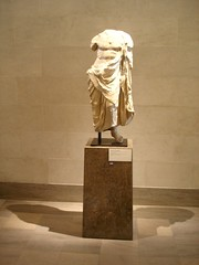 Statue of Asklepios - 2th century BC (pjink11) Tags: sanfrancisco sculpture art broken greek artwork europe god sony cybershot greece figure medicine serpent marble 2008 legionofhonor dscw1 asklepios physicians mended pentelic himation fineartsmuseumssf