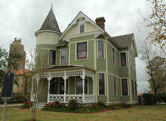 Sanders House (stevesheriw) Tags: texas beaumont jeffersoncounty sandershouse house 1895 queenanne architecture 78002964 479pine nationalregisterofhistoricplaces victorian