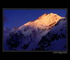 Piz Bernina - Engadine - Suisse/Switzerland (pdel64@photography) Tags: blue alps azul montagne alpes sunrise landscape switzerland soleil nikon rocks suisse swiss glacier bleu ciel backcountry alpen paysage moutain lever engadine 4000 alpinism bernina f4s grisons bluecolor pizbernina removedfromnikkorfortags couleurbleu vosplusbellesphotos philippedelobel mountainsnaps pdel64 phildelobel