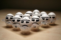 Egg Wars. (Egg wars Trilogy) (darkside_1) Tags: madrid espaa starwars funny hand painted negro guerra made eggs drawn divertido risas laught guerrano pintado hechoamano dibujado abigfave goldstaraward sergiozurinaga bydarkside darkside1 eggwarstrilogy