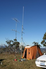"VHF/UHF Field day setup. • <a style=""font-size:0.8em;"" href=""http://www.flickr.com/photos/10945956@N02/3209766427/"" target=""_blank"">View on Flickr</a>"