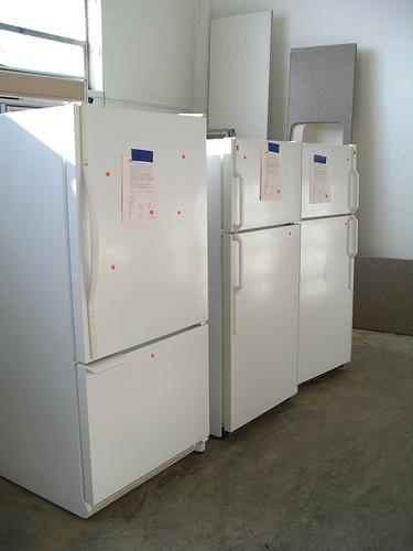 ot Point, Amana, & GE Refrigerators $250 t0 $350 ea.