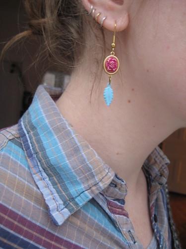 01-29 earring