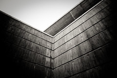 Walls (Håkan Dahlström) Tags: bw station wall grey betong ramlösa fav10 powmerantusenord