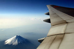 Mt.Fuji & 777-200 (kanegen) Tags: blue sky mountain japan plane landscape photo fuji aircraft explore 日本 boeing 风景 777 山 空 青 2009 富士山 風景 写真 景色 飛行機