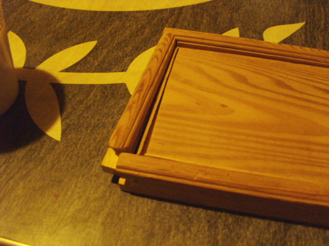 Box top opened up to show Mahogany filler strips