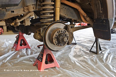 Servicing the 1992 Toyota FJ80 Land Cruiser Steering Knuckle and Axle Shaft