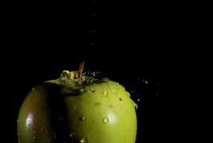 apple_drop I (Jens van Haag) Tags: apple water drops wasser apfel tropfen