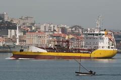 Nivaria (romarintyp) Tags: barcos ships tankers ferrol