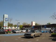 Eindhoven (tnarik) Tags: aparcamiento eindhoven ah entrada compras supermercado gallgall