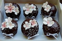 omatilda! (oholysweet!) Tags: pink flowers brown white cupcakes chocolate glaze nutella