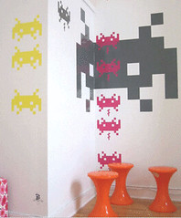 sapce_invader_wall_paper_2