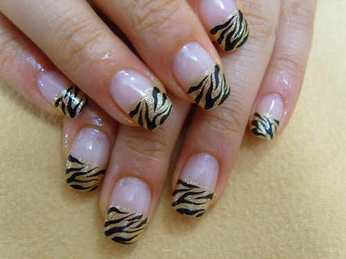 Photo of zebra prints acrylic nails design