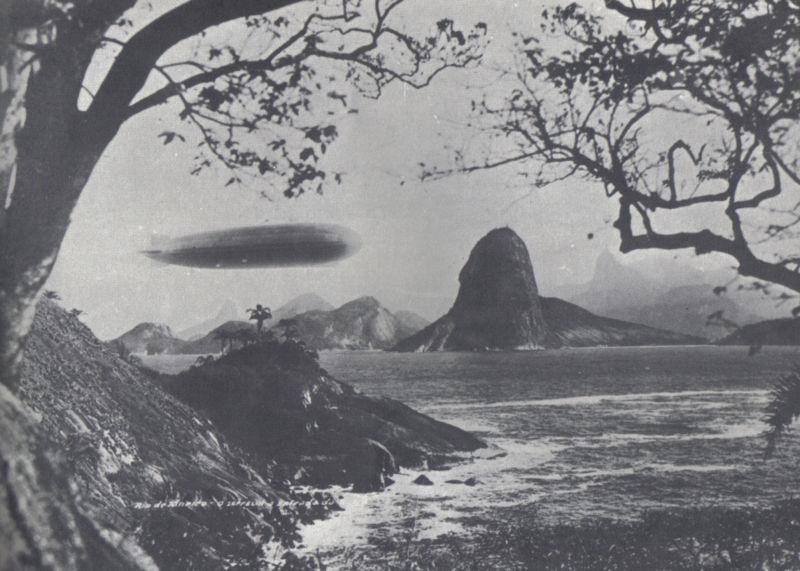 Zeppelin entrando na Baia de Guanabara, em 25/05/1930