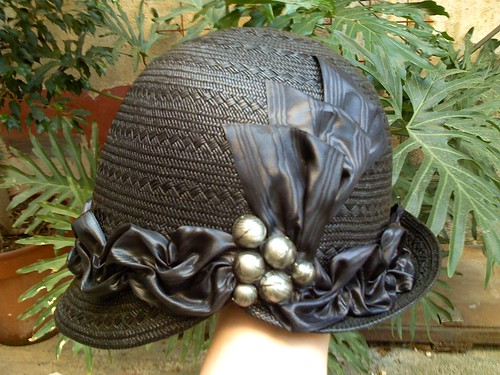 Black cloche straw hat