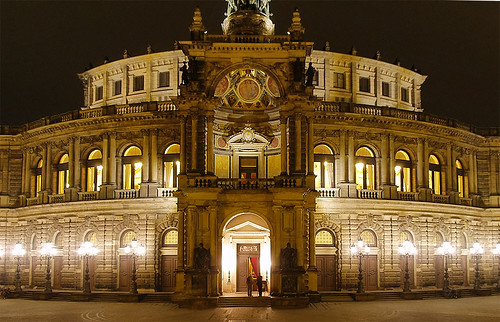 Semperoper by Zeitfixierer