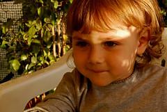Se il sole ti accarezza non essere timida (iosonovale) Tags: sguardo bimba timida giada bellissima tiadoro bimbetta dolcissima ricciolidoro piccolinamia giadina lefotopibelledelmondo boccucciabellina