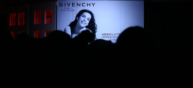 Presentacion perfume Givenchy by jimmyalvarez.com