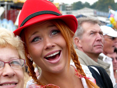 red_hat (missis_jones (almost back)) Tags: red woman rot smile hat germany munich mnchen bayern deutschland bavaria europa europe hut pigtails frau wiesn lcheln urbancandid zpfe oktoberfest2008