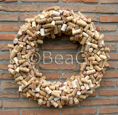 Wine Corks Wreath (Wijnkurkenkrans) (Made by BeaG) Tags: original circle creativity restaurant pretty artist wine designer recycled handmade oneofakind ooak decorative kunst cork wreath creation round recycling wreaths krans unica walldecor wijn unicum kurk couronne tabledecoration doordecoration beag winecork winelovers walldecoration restaurantdecor winecorks creatiefmetkurk doorgift kunstenares uniquedesign ontwerpster recycledecor restaurantdecoration corkwreath originaldesigner creativedesigner corkart wijnkurken wijnkurkenkrans wijnkurk creativewithcorks winecorkswreath winecorkwreath wijnkurkkrans craftingwithcorks winecorkcrafts designedandmadebybeag uniekontwerp ontworpenengemaaktdoorbeag handgemaaktekrans gedecoreerdekrans kransmaken decoratingwithwinecorks decorerenmetwijnkurken decoratiesmetwijnkurken knutselenmetwijnkurken kurkkrans kurkenkrans fireplacedecoration winecorkcraft winecorkart recyclehomedecor