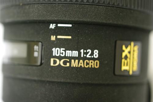 Sigma 105mm f/2.8 DG 1:1 Macro