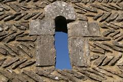 Priers-sur-le-Dan 22 (sylviedjinn 14) Tags: normandie eglise calvados ruines herringbone artroman prierssurledan viiiexiiie artedepoisson dispositionenpi