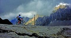 MTB CYCLETECH OPIUM Flash  Agnes Zellweger Sanetsch Passhöhe-bu (thazit) Tags: usa mountain bike xt schweiz switzerland all cross swiss country bikes racing trail fox mtb opium dt fully xtr shimano mountainbikes cycletech