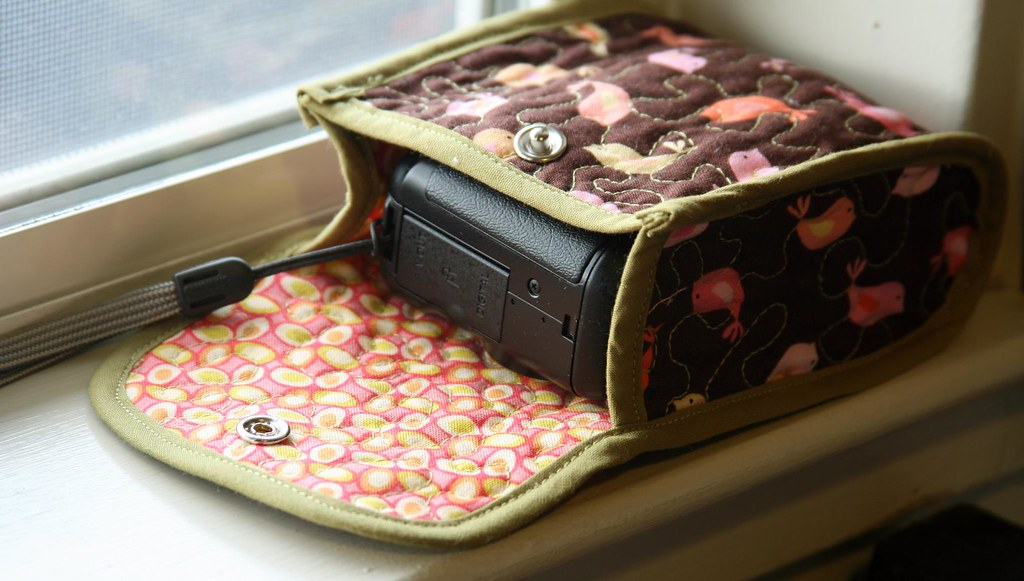 Cozy Camera Case Tutorial 20