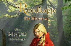 Maud speelt Roodkapje