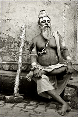 Sundar baba (Elishams) Tags: bw india white black indian traditional faith religion culture varanasi baba sadhu banaras benares sundar northindia uttarpradesh indedunord theindiatree sundarbaba