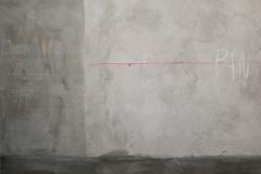 vorsichtige Annäherung (LichtEinfall) Tags: composition wand quedlinburg erpe cautiousapproach q025a raperre urbancubism