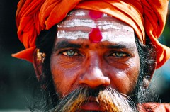 NEPAL - Bhaktapur (Massy........!!!) Tags: travel nepal detail beard eyes blueeyes occhi sguardo glance viaggi baba barba guru bhaktapur sadu occhiblu dettaglio colourartawards earthasia unlimitedphotos worldtrekker colorfullaward