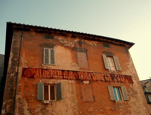 Albergo