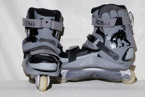 The rollerblade: Chris Farmer 2 with Formula 1 GC Frames and Wheel Love Milk