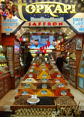 Spice shop of Istanbul (Peace Correspondent) Tags: turkey d50 market istanbul spices medina bazaar sultanhamet saffron grandbazaar fv15 blueribbonwinner 5photosaday views1250