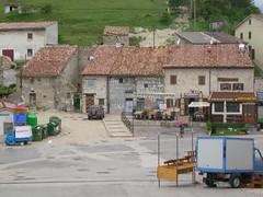 scendendo dalla locanda de'senari (stefaniafei) Tags: umbria castelluccio sibillini