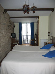 "Hotel Room in Santiago • <a style=""font-size:0.8em;"" href=""http://www.flickr.com/photos/48277923@N00/2626351594/"" target=""_blank"">View on Flickr</a>"