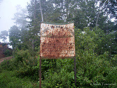 Pico Pijol buffer zone sign (Josiah Townsend) Tags: mesoamerica honduras cloudforest centralamerica yoro centroamerica pijol